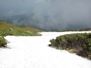 雪の登山道 下り編